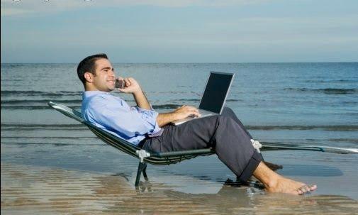 Apagar el móvil en la playa, un derecho laboral